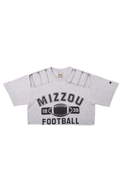 COLLEGE CROP TEE WITH CHAIN SHOULDER CUT OUT