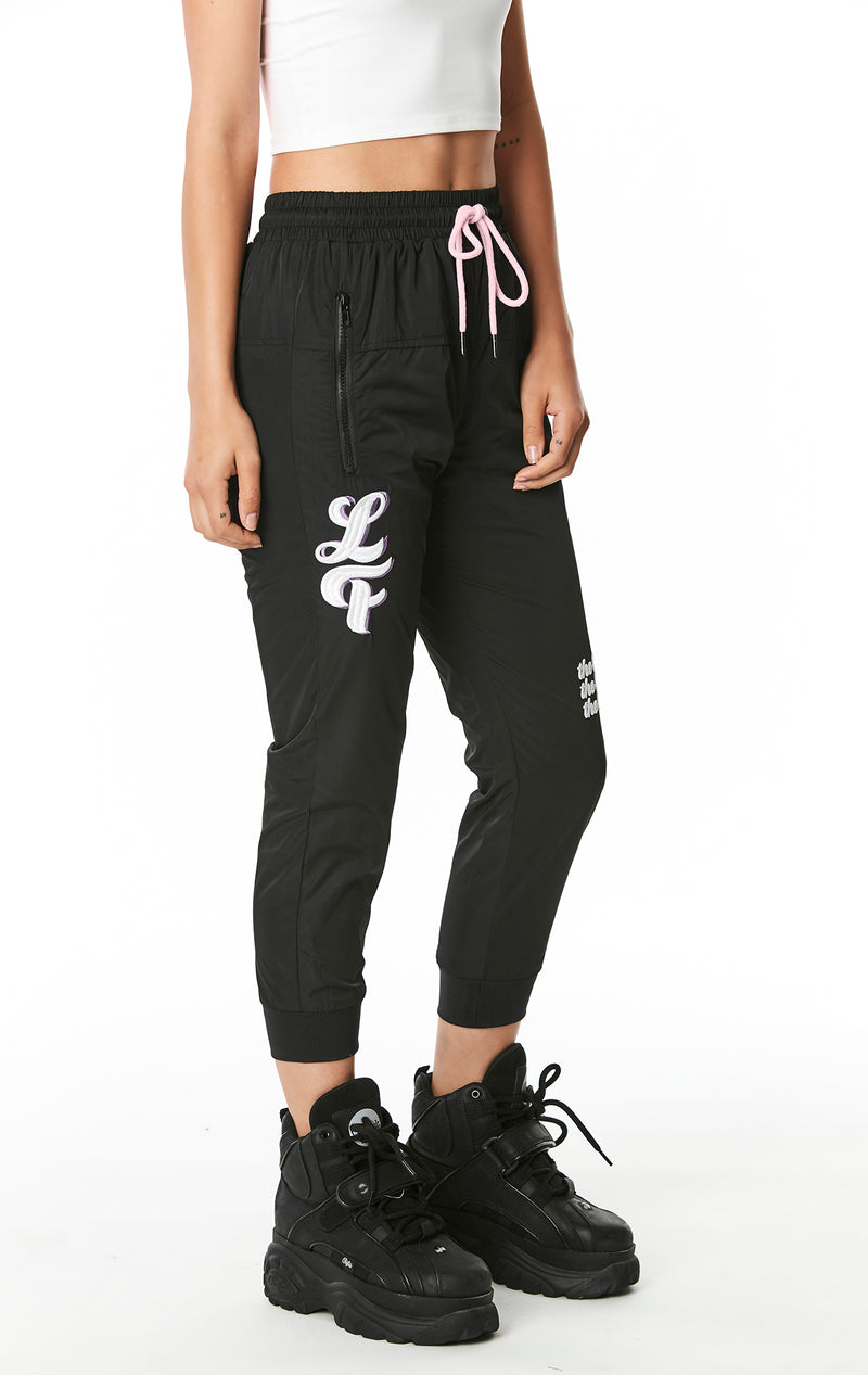 WINDBREAKER PANT WITH EMBROIDERY SIDE