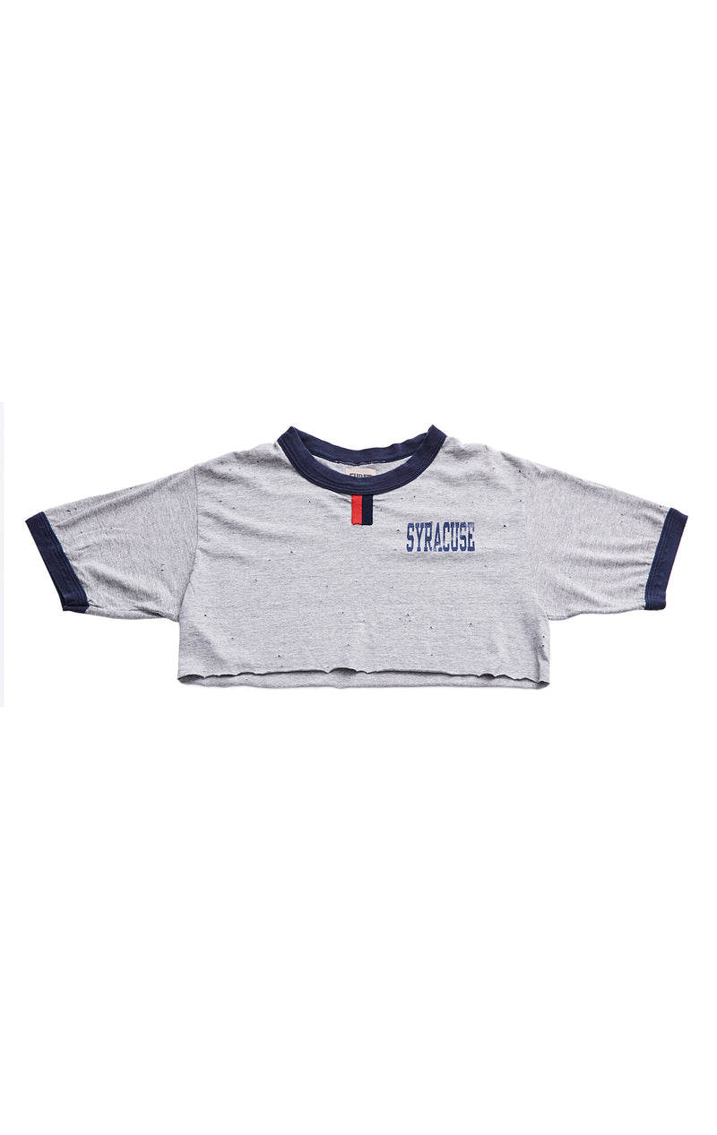 COLLEGE RETRO CAMP CROP TEE