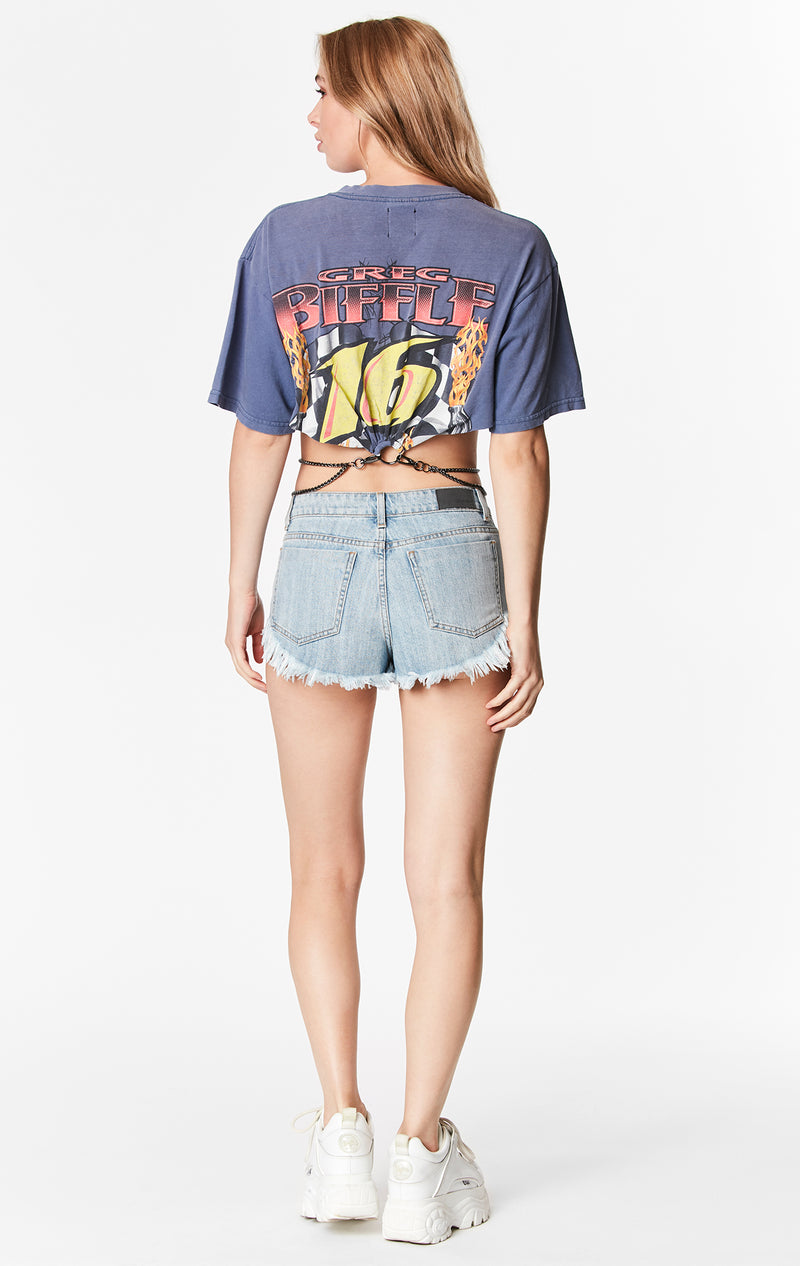 CROP TEE WITH CHAIN WAISTBAND