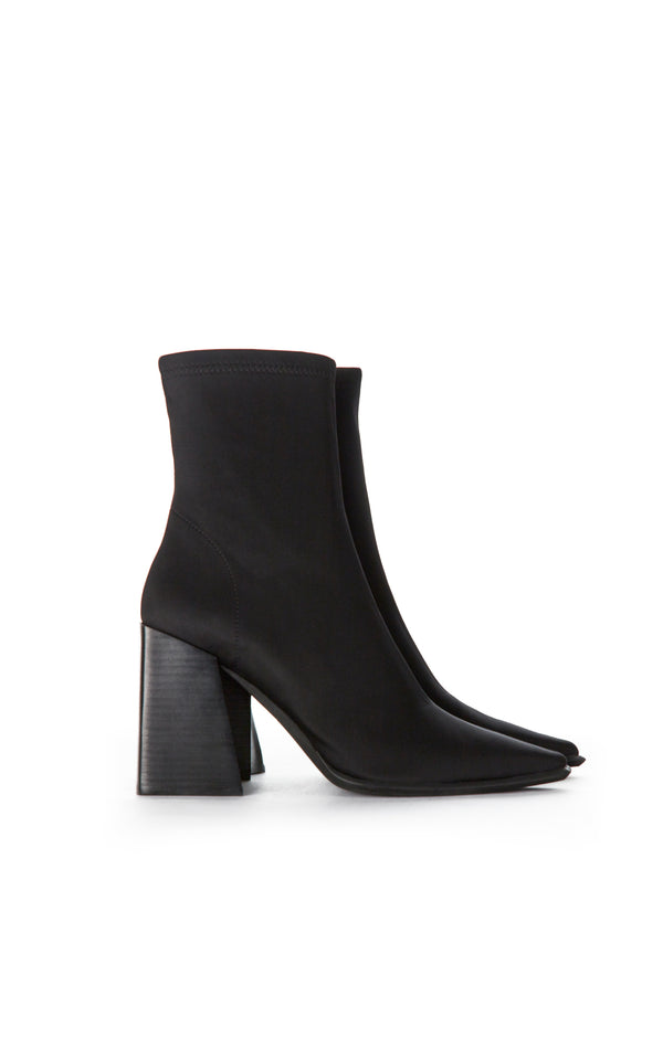 LA-SIREN ANKLE BOOT