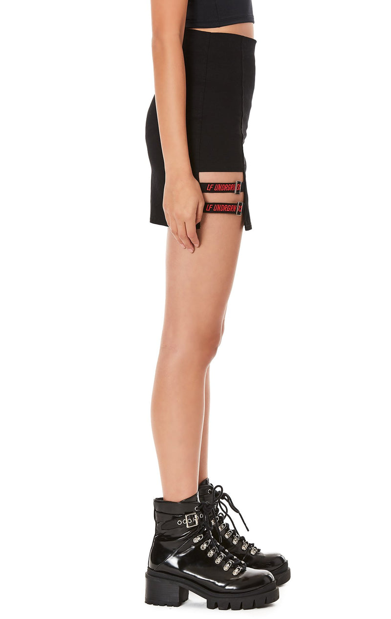 FITTED SKIRT WITH SUSPENDER STRIP DETAIL SIDE