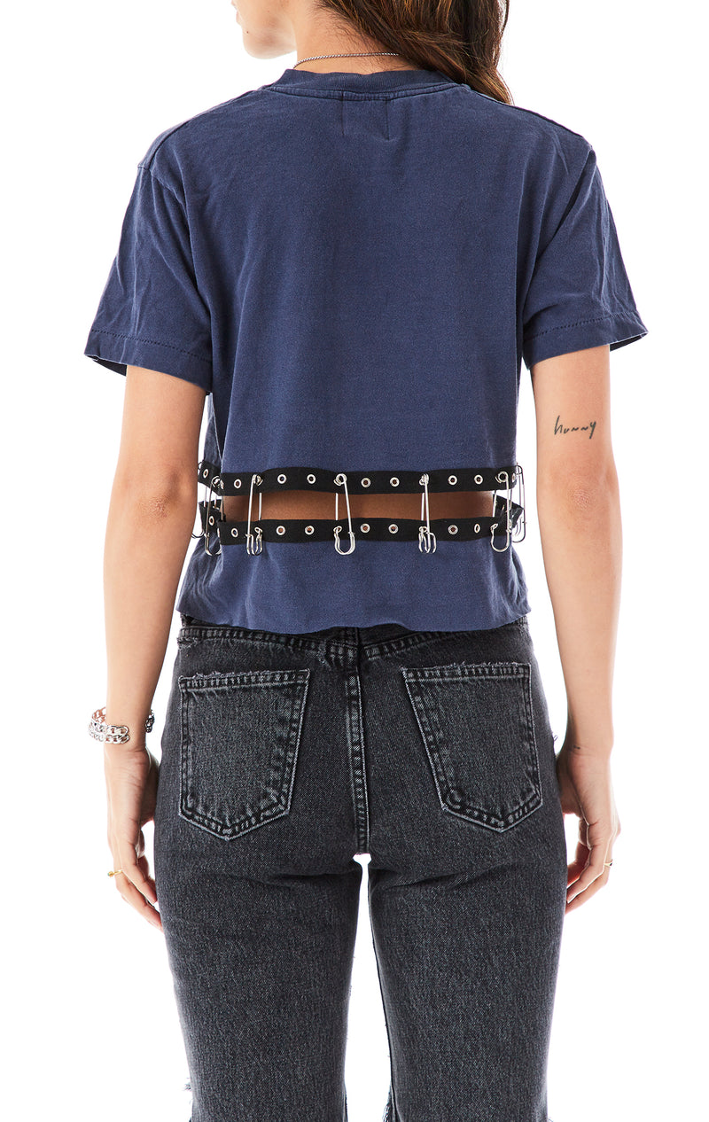 SAFETY PIN SPLIT CROP T-SHIRT