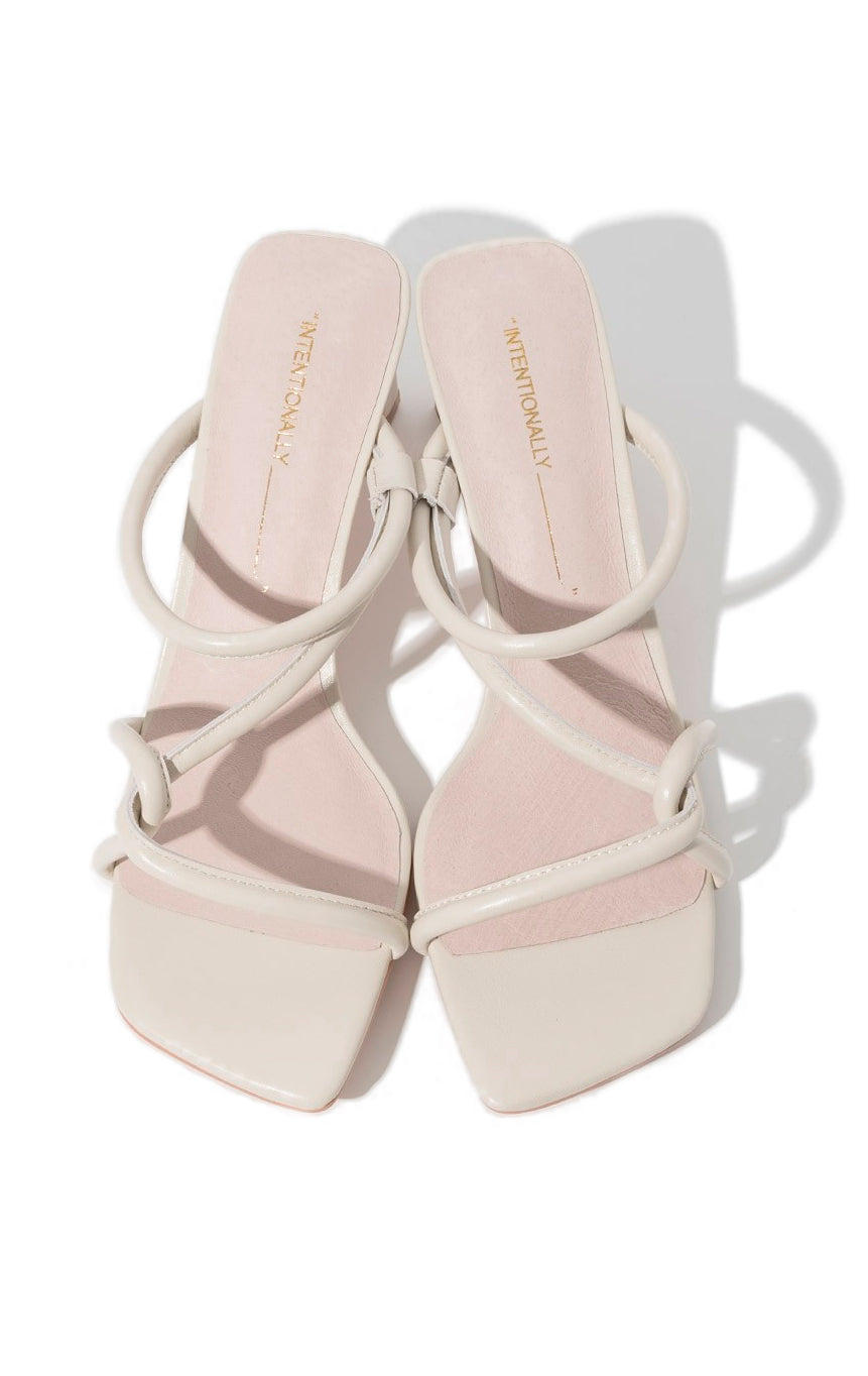 WILLOW STRAPPY SANDAL HEEL