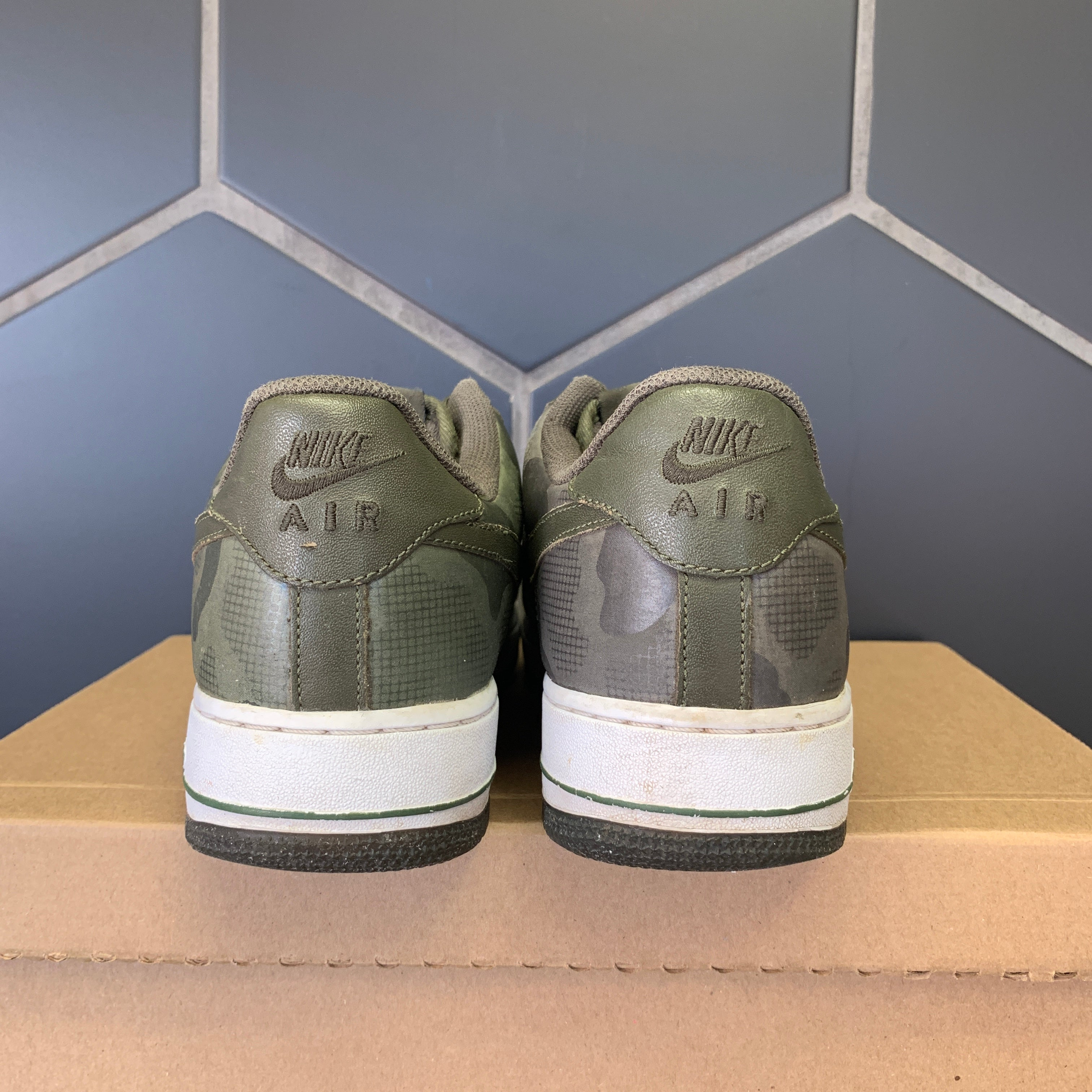 Used W/O Box! Nike Air Force 1 Low Green Camo White Shoe Size 8