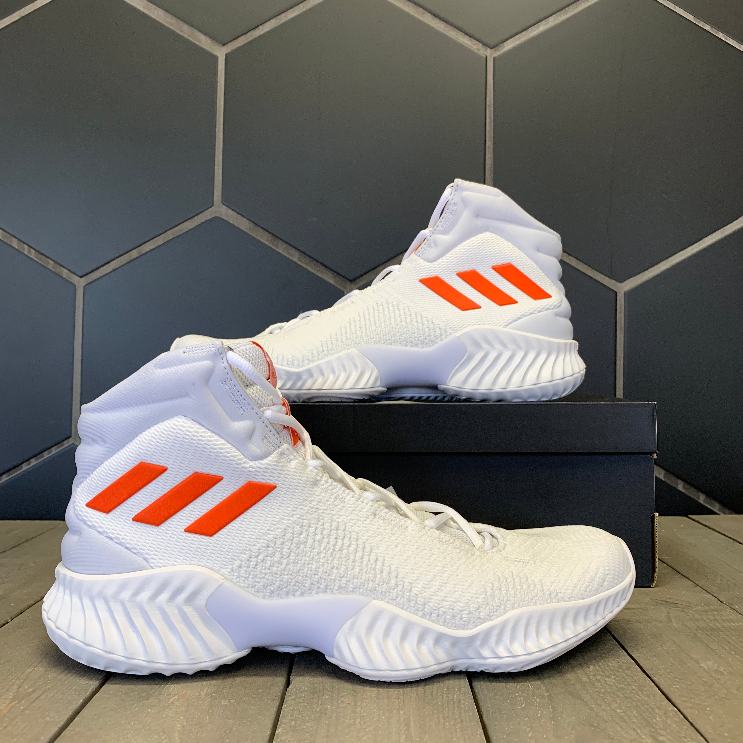 New W/ Box! Adidas SM Pro Bounce 2018 Team White Orange Basketball Shoe Size 12.5