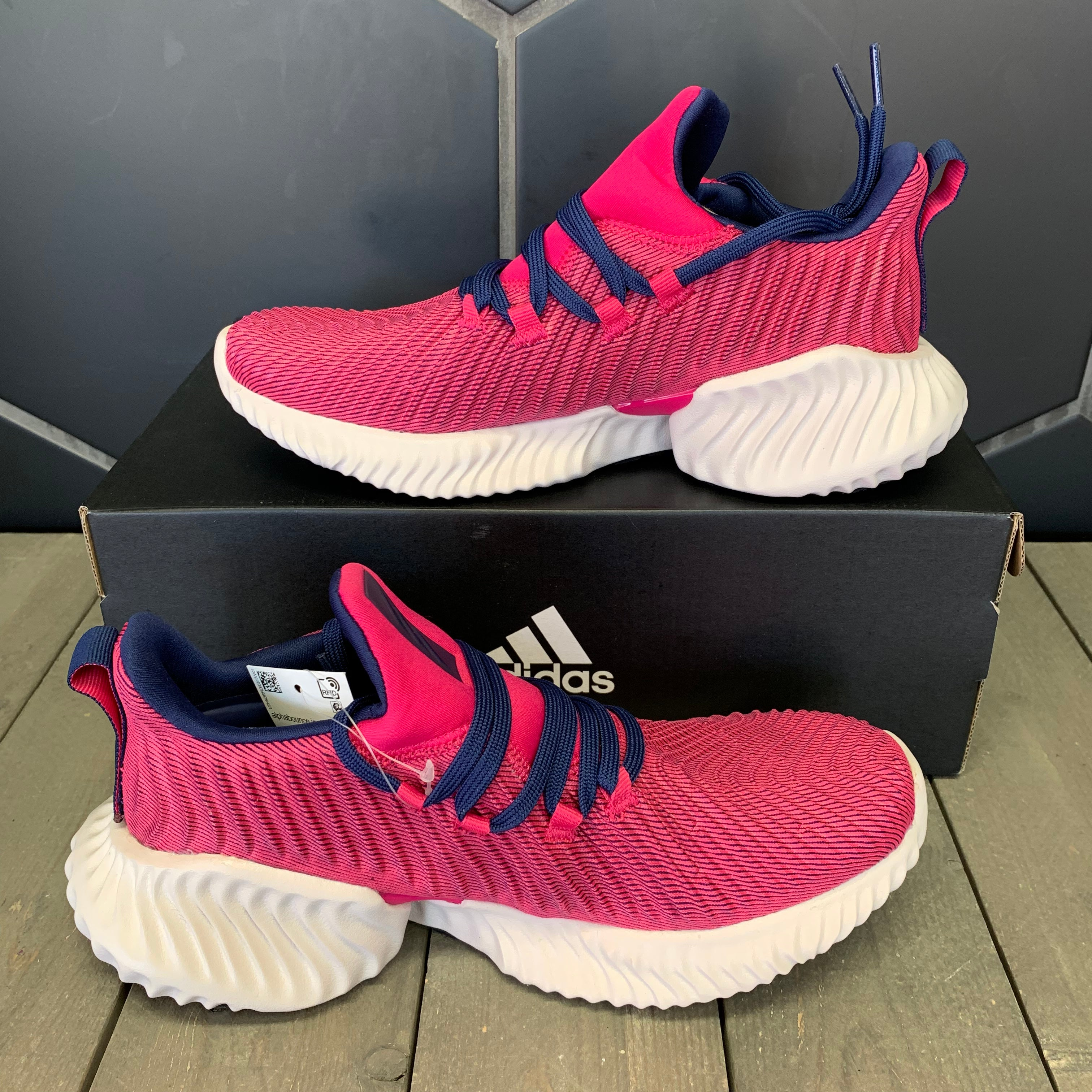 New W/ Box! Adidas Alphabounce Instinct J Pink White Shoes Size 4.5