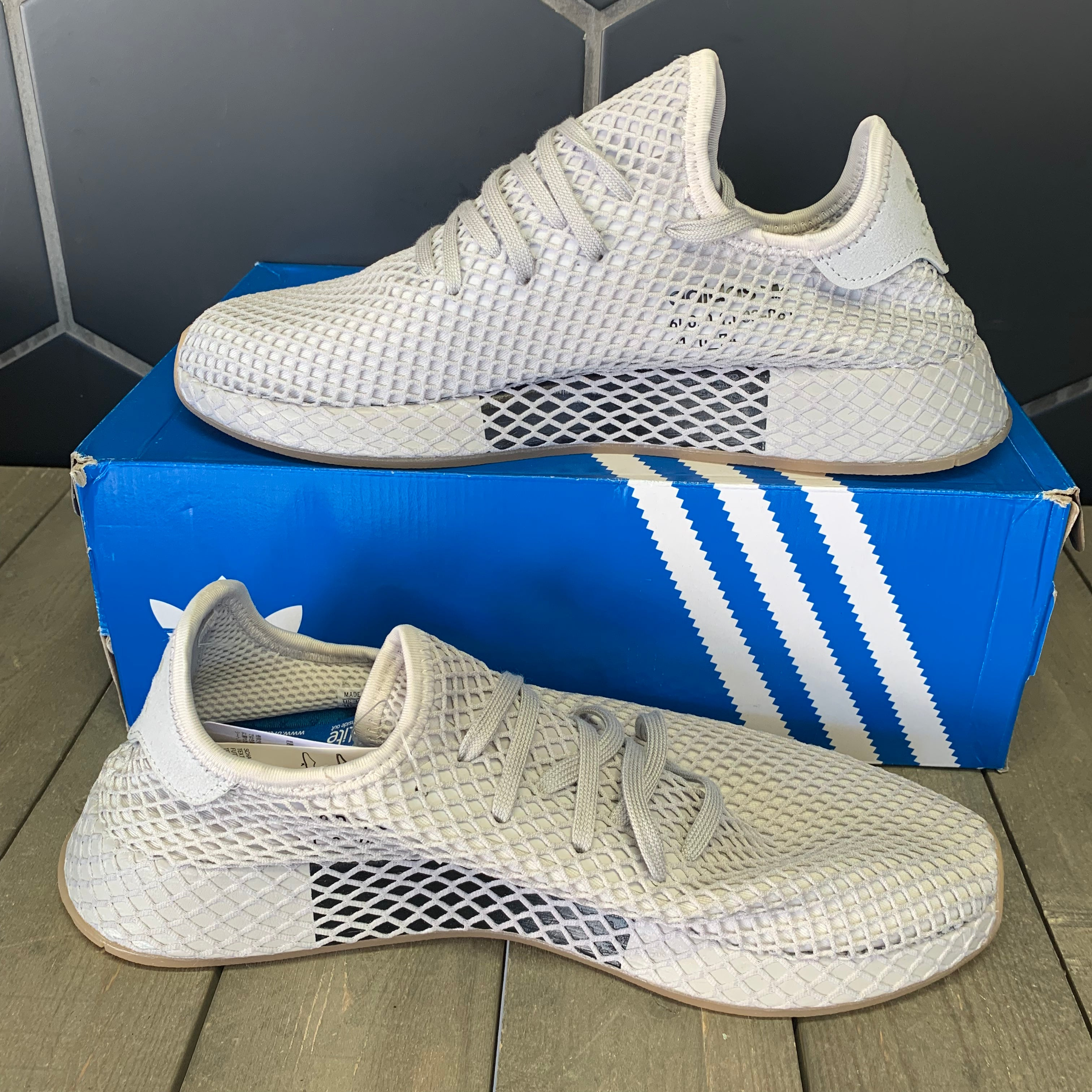 New W/ Box! Adidas Deerupt Runner Muted Neon Light Grey Shoe (Multiple Sizes)