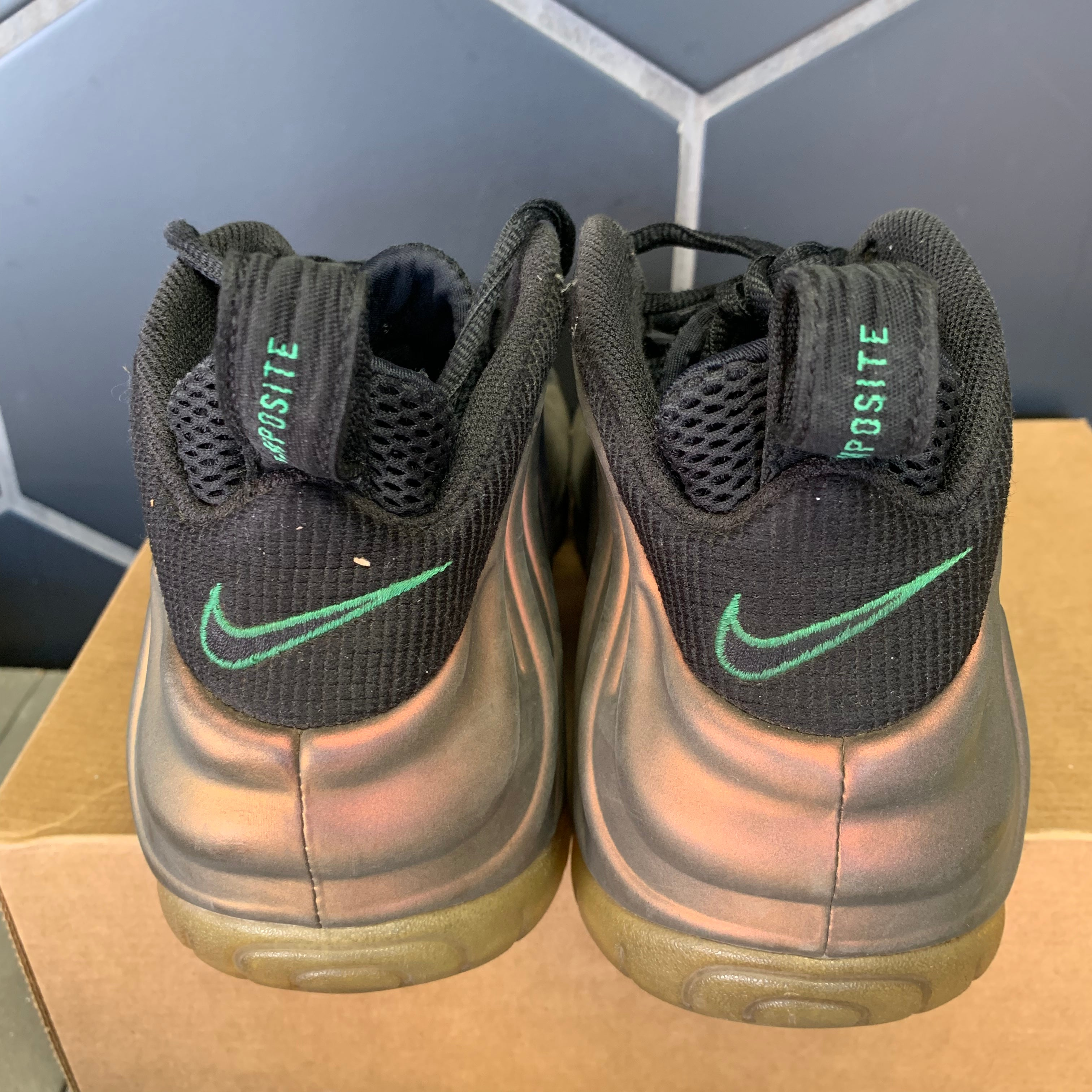 Used W/O Box! Nike Air Foamposite Pro Gym Green Shoe Size 9.5