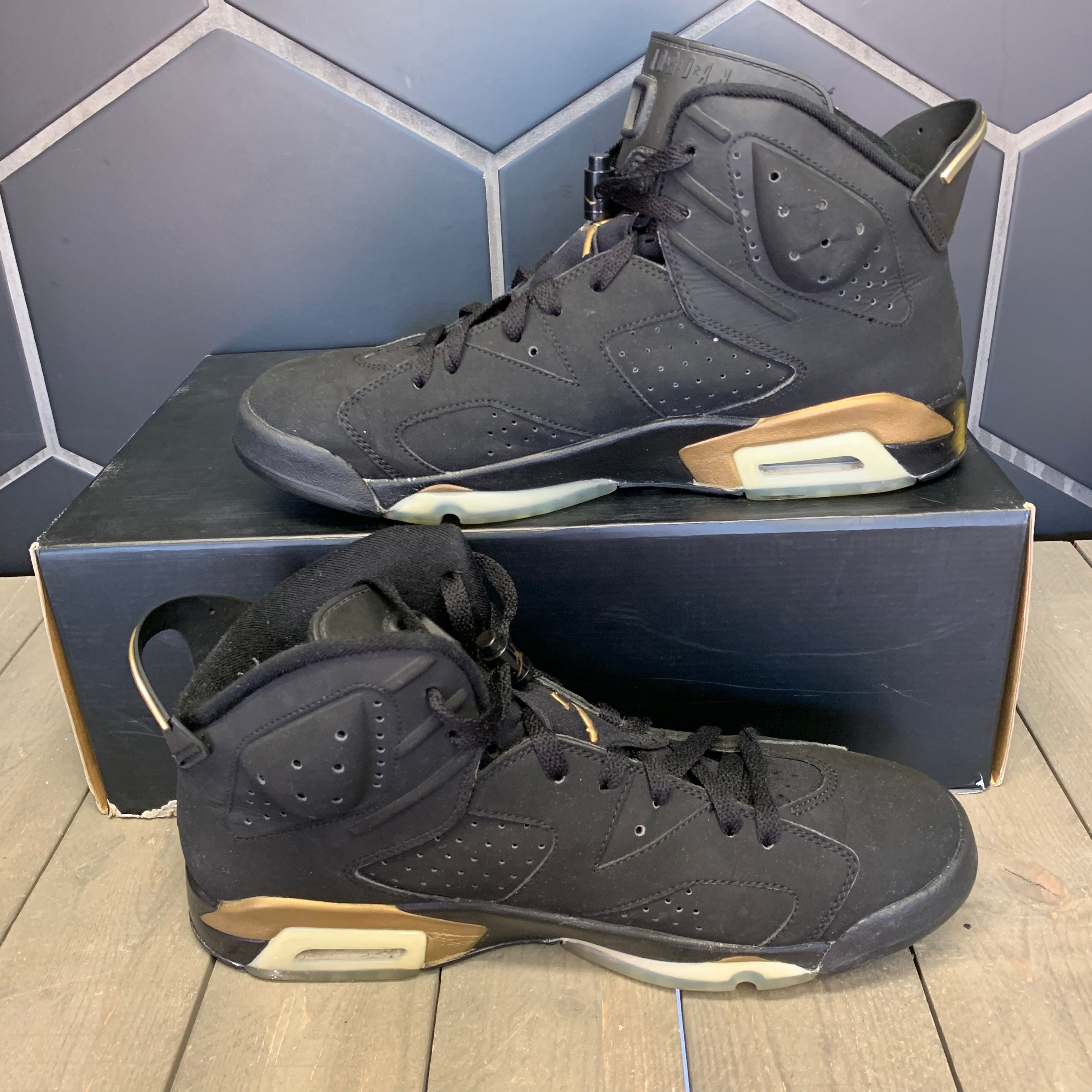 Used W/ Missing Lid! Air Jordan 6 DMP Gold Size 11.5