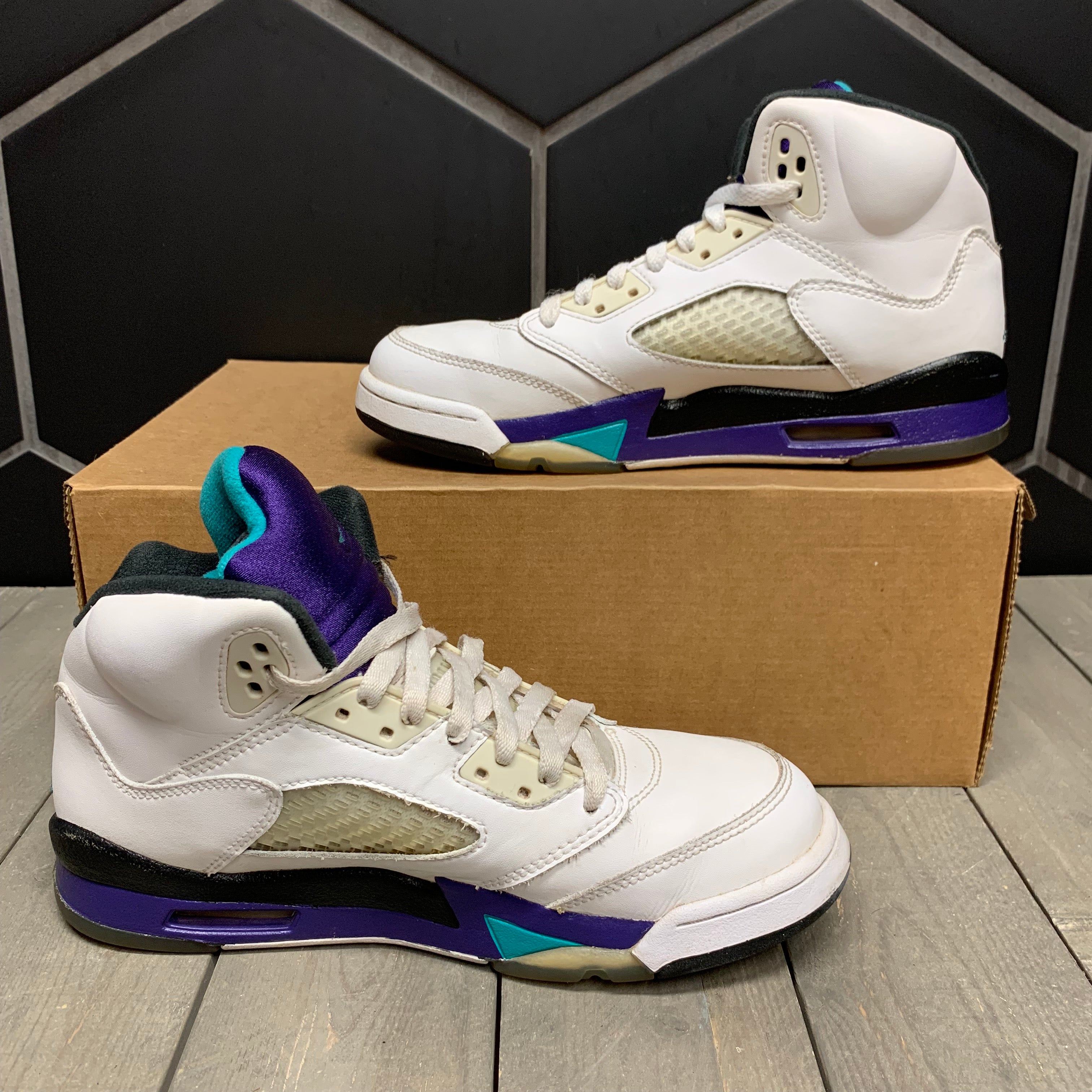 Used W/O Box! 2013 Air Jordan 5 Grape GS Shoe Size 6Y