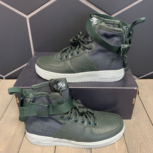 New W/ Damaged Box! Womens Nike SF Air Force 1 Mid Outdoor Green Shoe (Multiple Sizes)