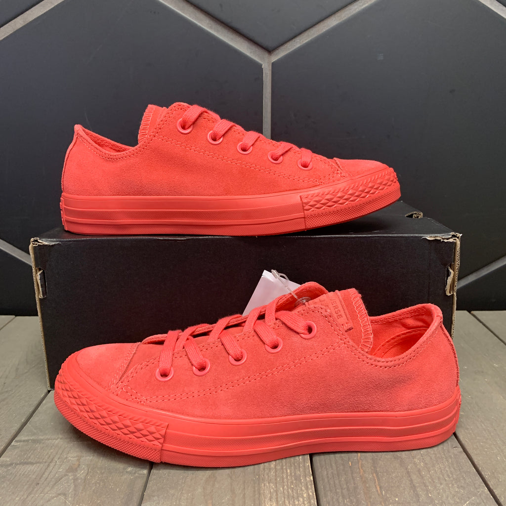 New W/ Box! Womens Converse Chuck Taylor All Star OX Low Coral Pink Suede Size 6
