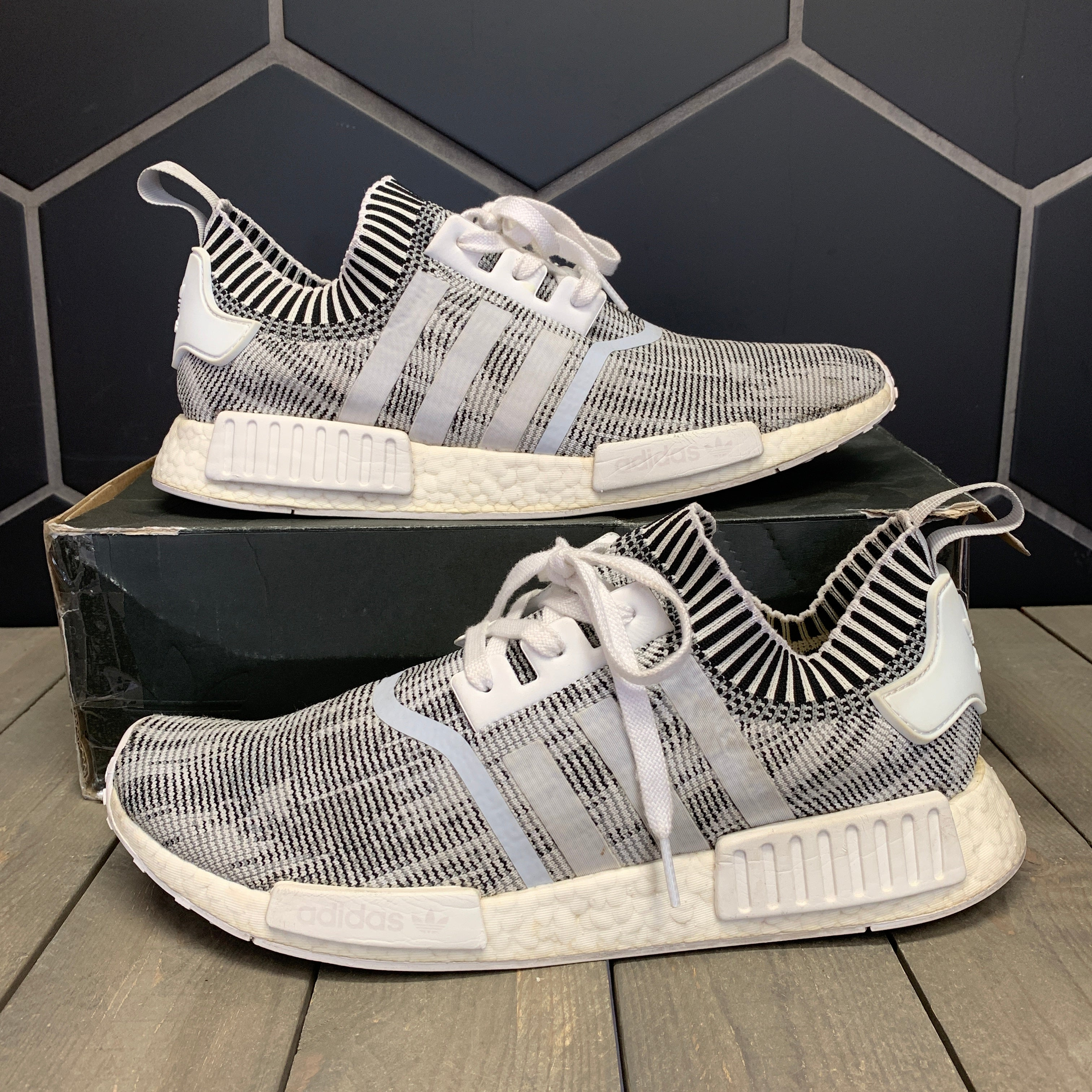 Used W/ Damaged Box! Adidas NMD R1 PK White Black Size 12