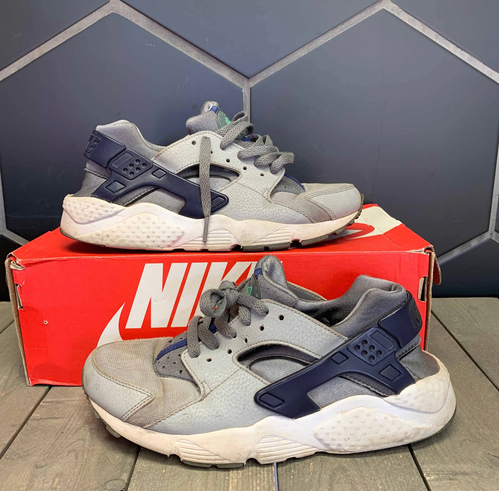 Used W/ Damaged Box! Nike Huarache Run GS Size 6.5Y