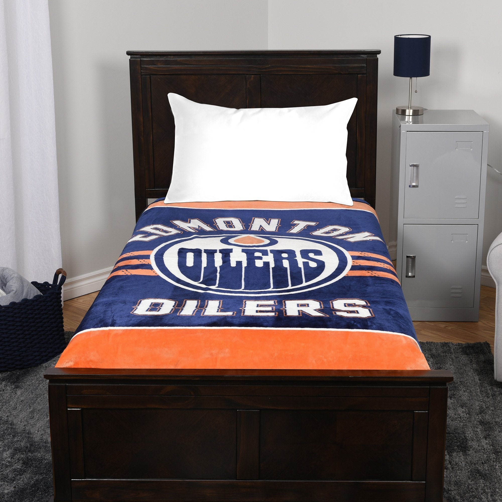 A blanket throw with the Edmonton Oilers logo