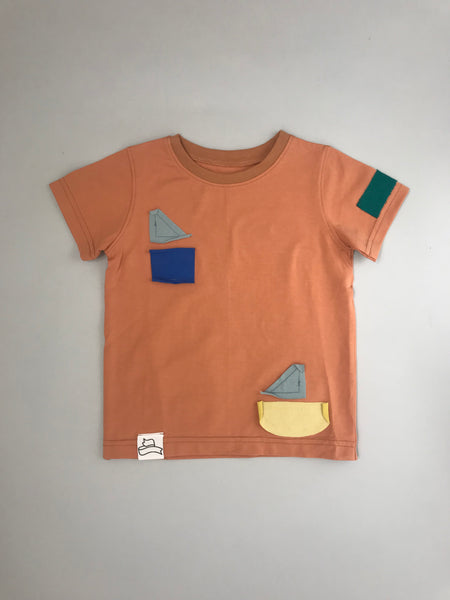 BB short sleeve t-shirt with colourful shapes