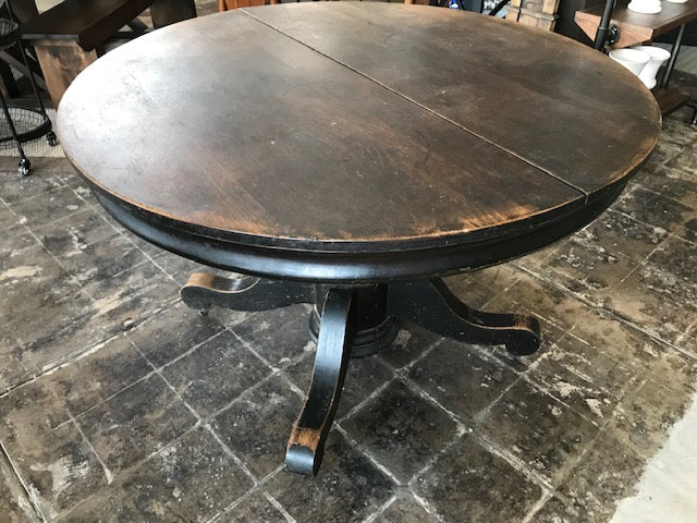 Pedestal Dining Table on Casters