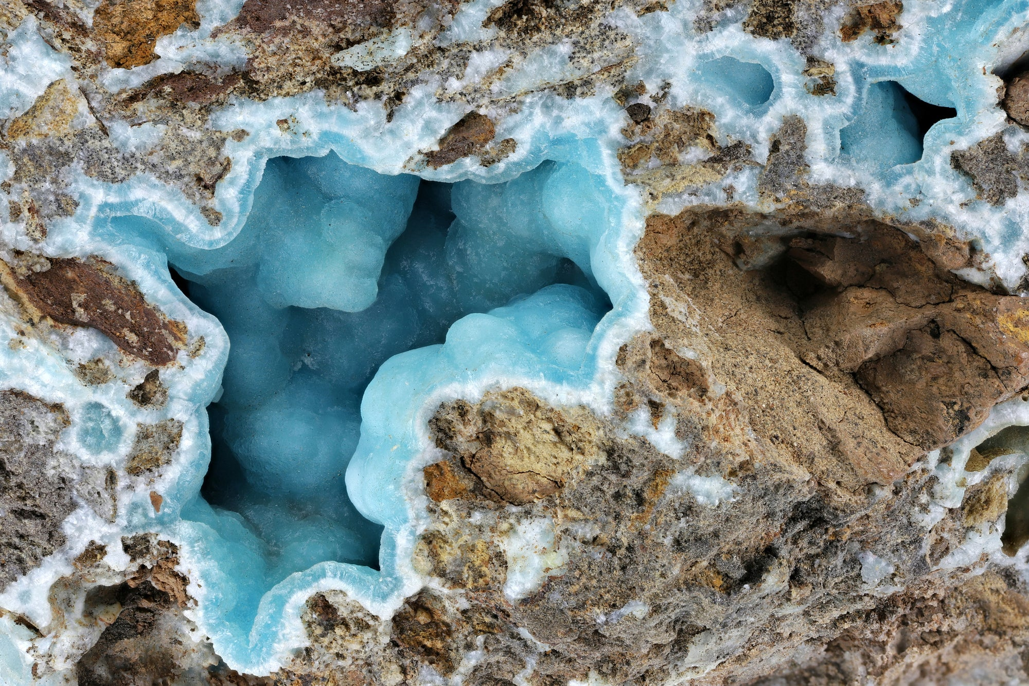 Hemimorphite Stone: History, Formation, & Metaphysical Properties