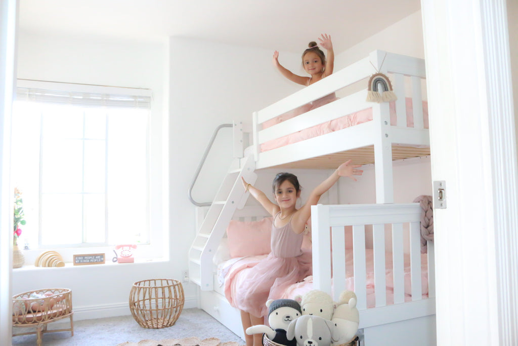 girls pink and white room bunk beds