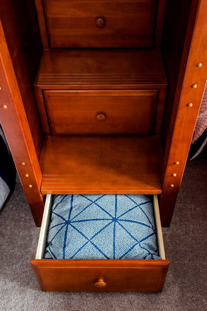 staircase steps as drawers on bunk bed