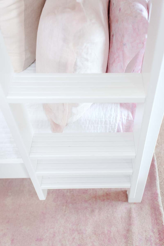 steps on queen bunks