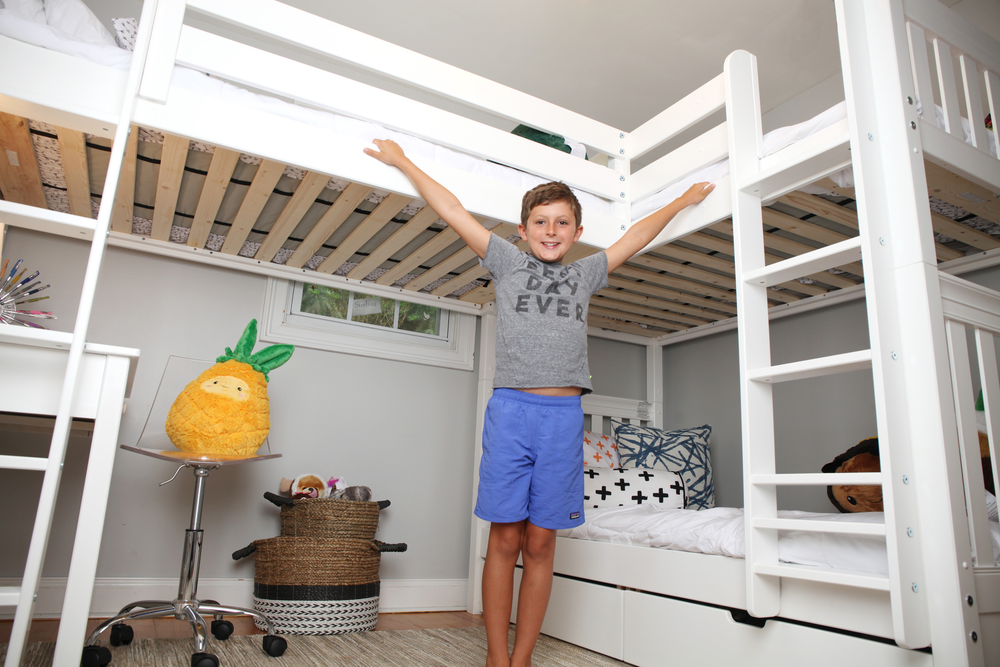 Corner Triple Bunk Bed with Trundle