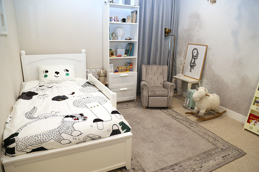 white twin toddler bed room