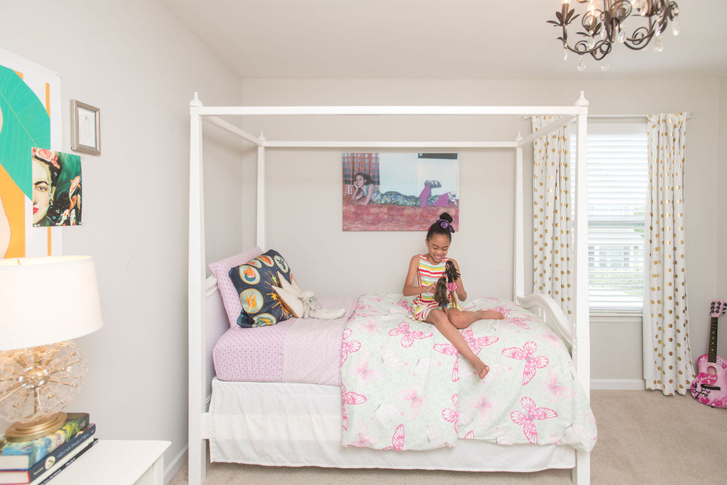 sweet life of bean four poster bed girls room