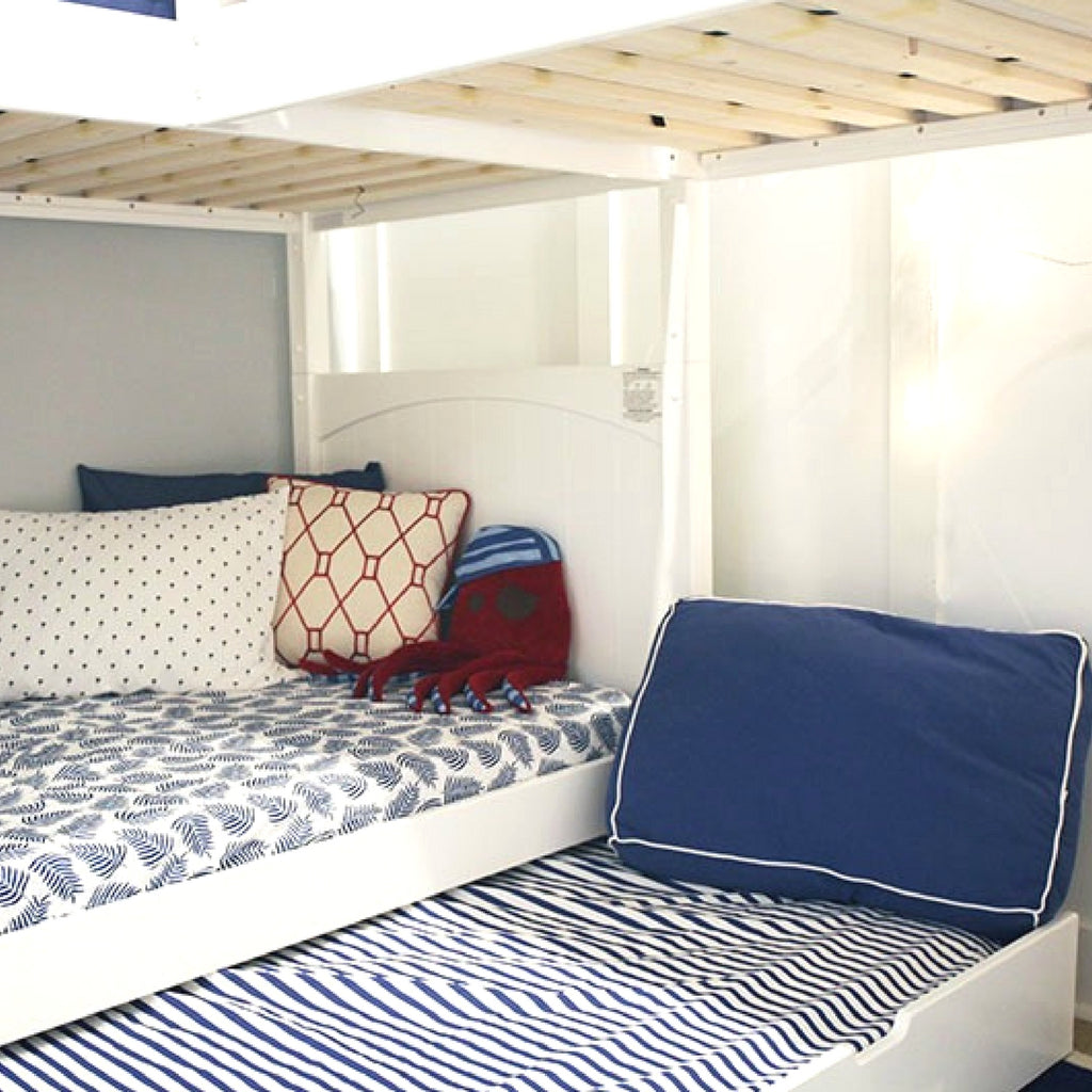 triple bunk bed trundle