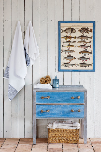 upcycling furniture paint