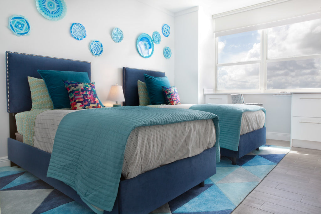 Artsy guest bedroom style
