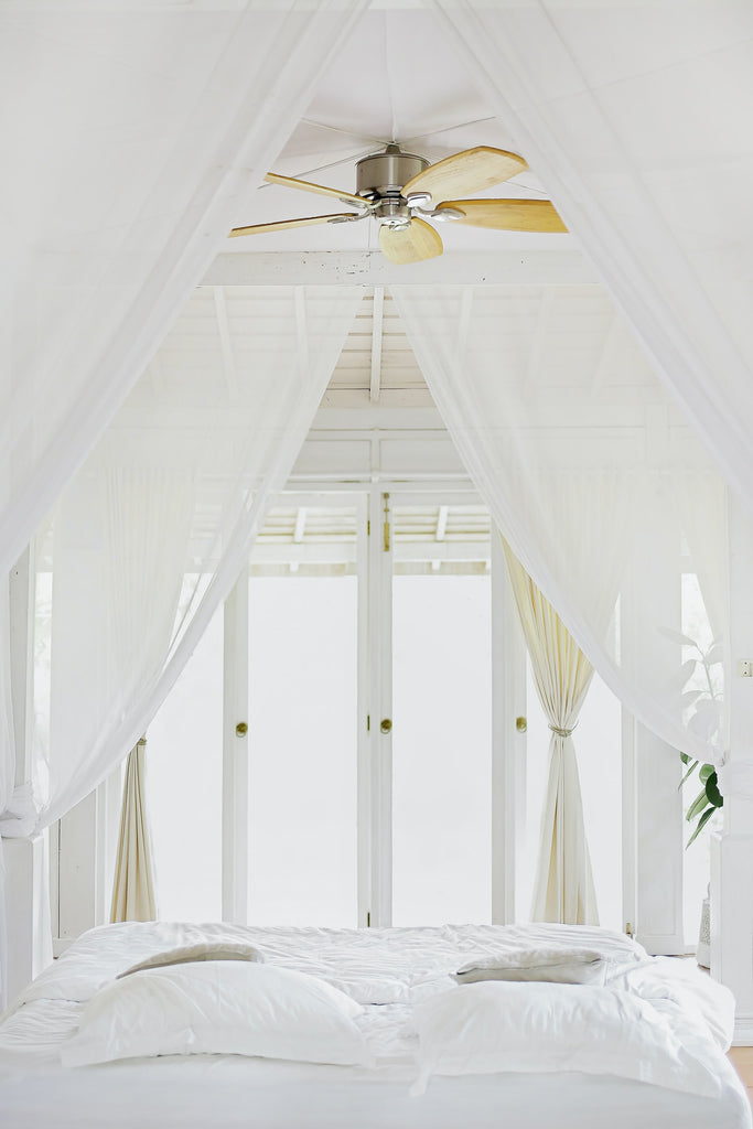 White and bright guest bedroom style