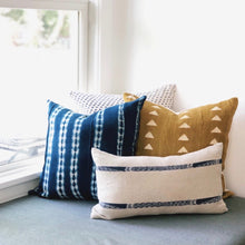 Load image into Gallery viewer, 20x20 Pillow Cover - Blue & White Woven No.2