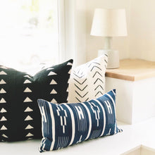 Load image into Gallery viewer, 20x20 Pillow Cover - Black & White Triangle Mudcloth No.1