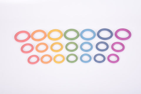 Rainbow wooden rings (set 7)