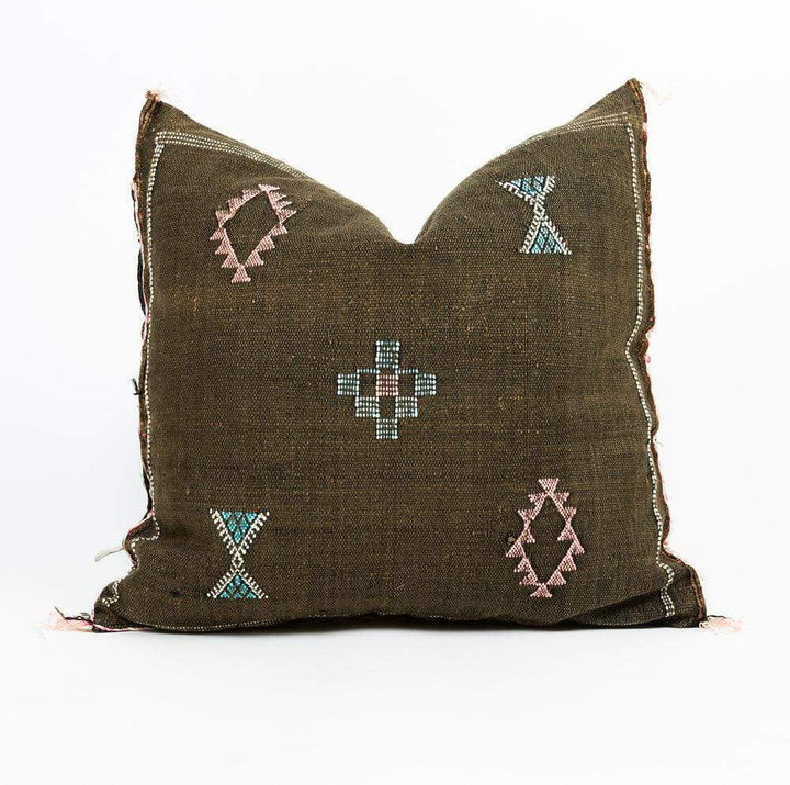 "Bryar Wolf Handmade Decorative Throw Pillows With Insert / 20"" x 20"" BOU"