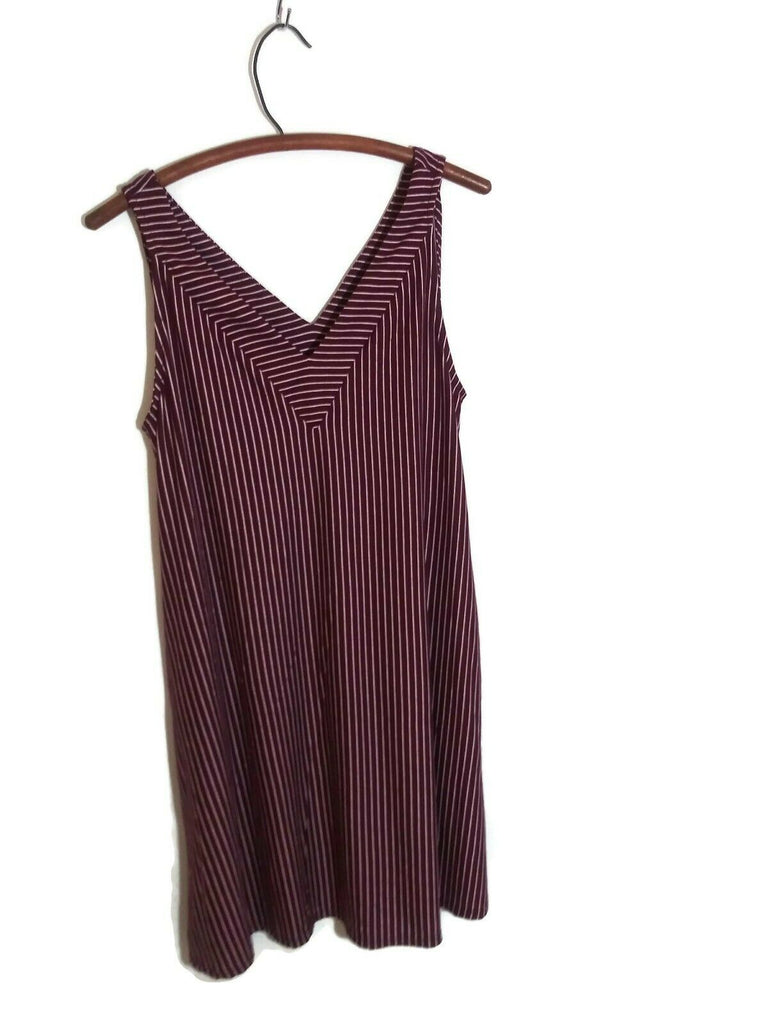 Socialite Deep V Neck Sleeveless Stripe Dress Burgundy White Small