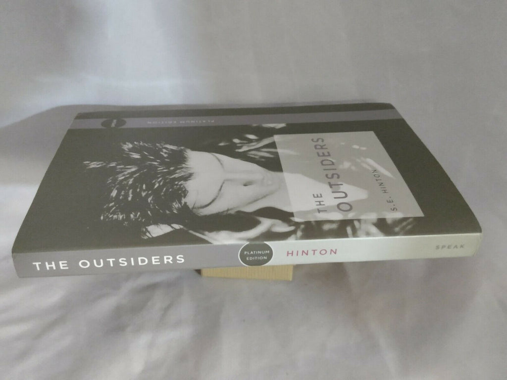 The Outsiders by S. E. Hinton - Paperback