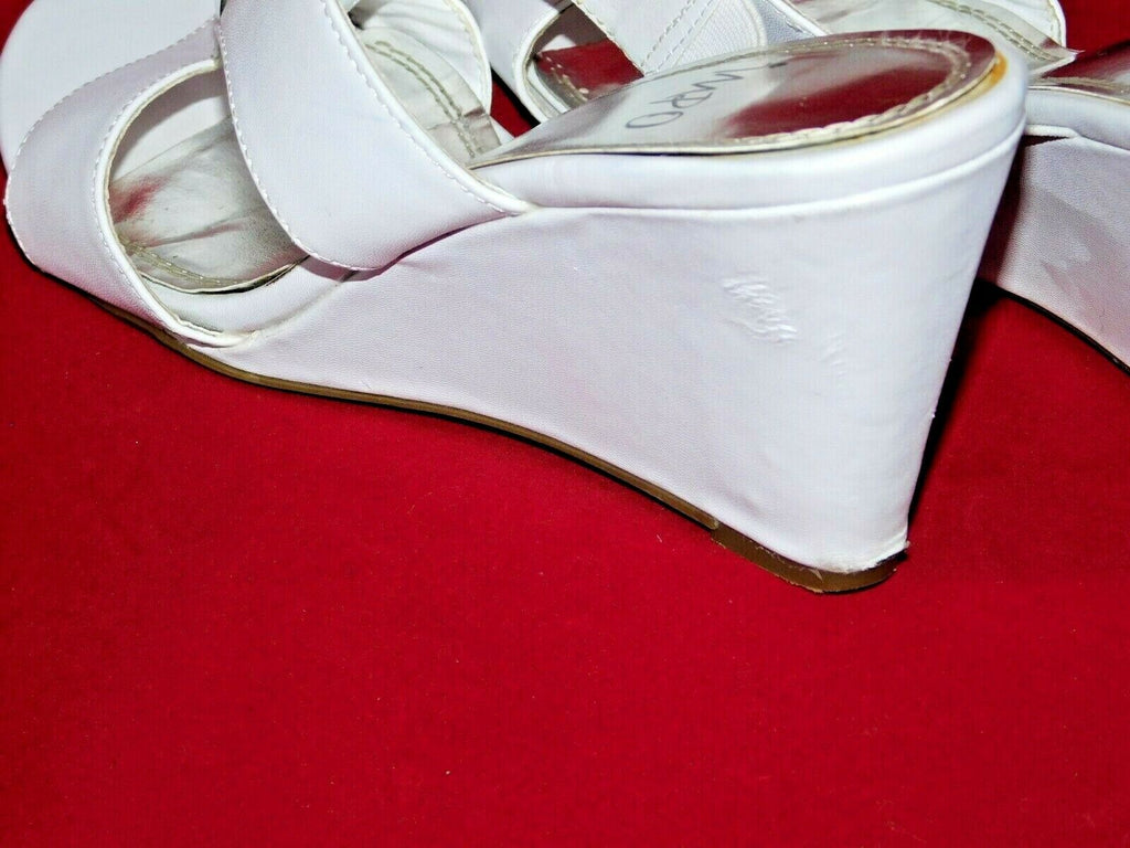 White Wedge Sandals 7.5M IMPO VOYAGE Well Worn With Silver Accent