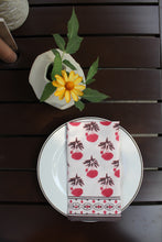 Load image into Gallery viewer, Fall Florals Napkin Set