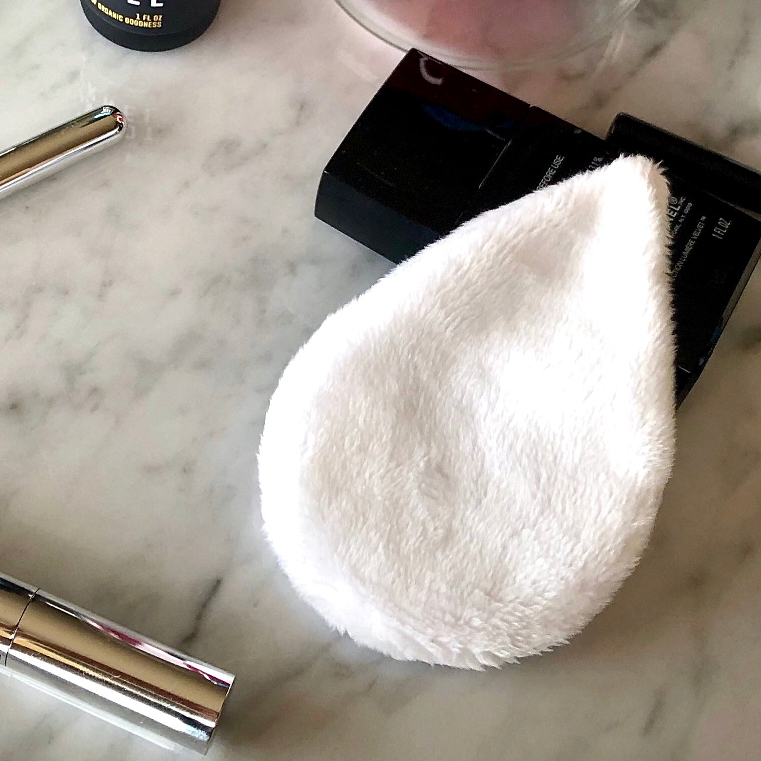 The Mitty Mini works with your skincare