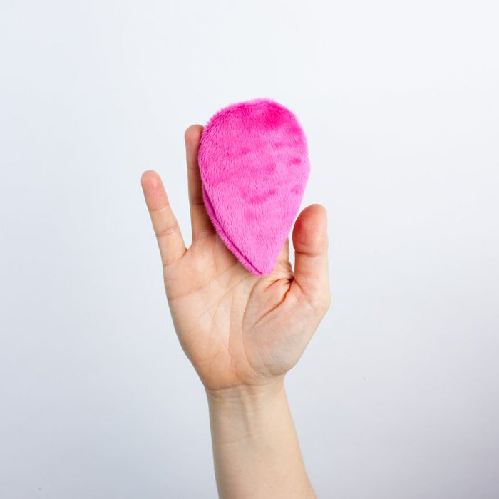 The Mitty Mini® Single-pack Ultra-Gentle Reusable Makeup Remover Pad in Pink