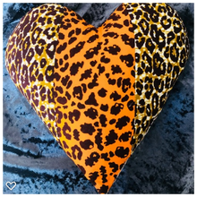 Load image into Gallery viewer, AFROBRIT MIX HEART CUSHION