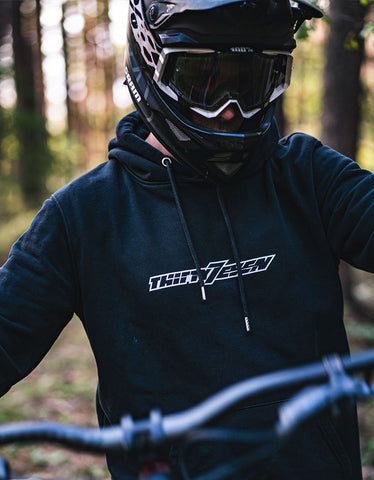 Der Thirty7even Logo Hoodie