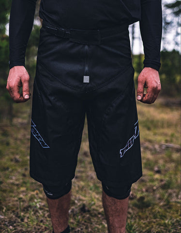 Image of Die T7N Spire Shorts