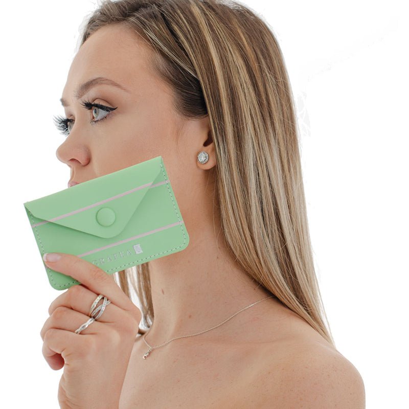 CARD WALLET MINT KISS