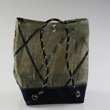 "Load image into Gallery viewer, Sail Resale Heritage ""26"" 3 in 1 Backpack, Shoulder Bag & Carryall"