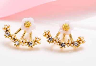 Gold Daisy Blossom Earring that Dealio