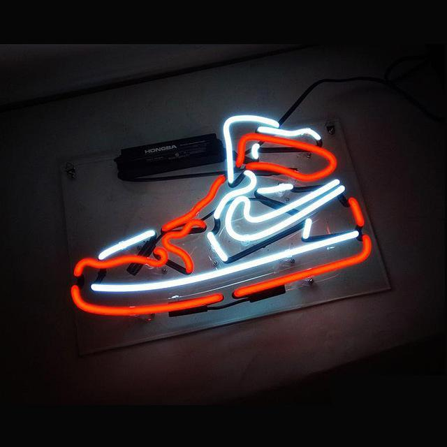 Hypebeast Sneaker LED that Dealio